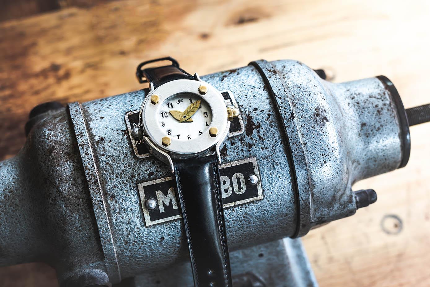 Uhr anfertigen lassen - Atelier Horloges - 2012