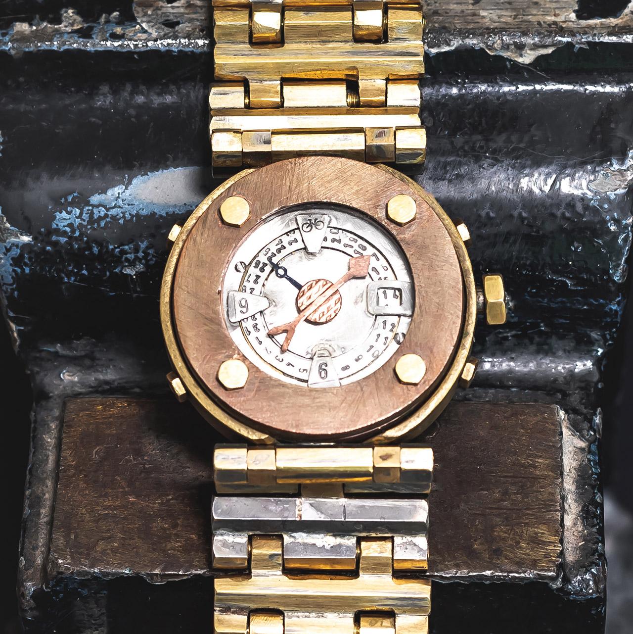 Armbanduhr anfertigen lassen - Atelier Horloges - Uhr mit Flügeln - Roulette