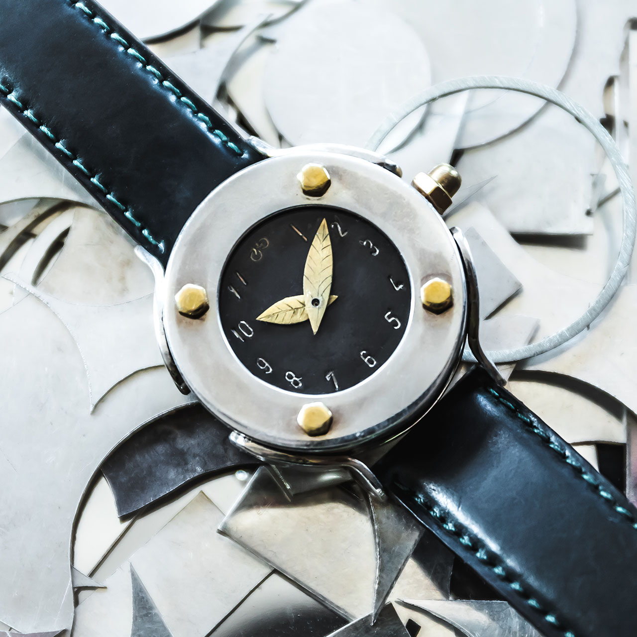 Armbanduhr anfertigen lassen - Atelier Horloges - Tortuga Noir