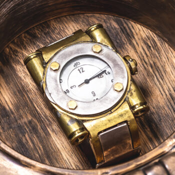 Armbanduhr anfertigen lassen - Atelier Horloges - Uhr mit Flügeln - Turbocharged
